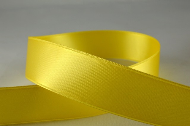RIBPALEYELLOW0707 - Ribbon Double Faced Satin Pale Yellow 7mm x 25 Meters