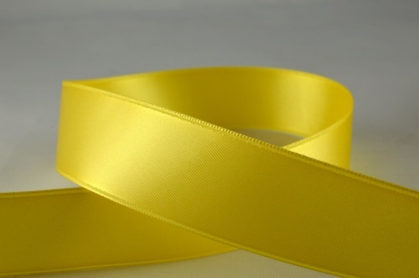 RIBPALEYELLOW2507 - Ribbon Double Faced Satin Pale Yellow 25mm x 25 Meters